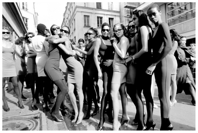 arthur-elgort-models-after-the-azzedine-alaia-fashion-show-paris-1986-courtesy-of-arthur-elgort-and-staley-wise-gallery