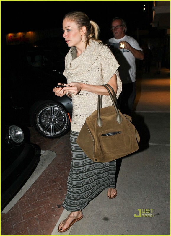 LeAnn Rimes and Eddie Cibrian dinner with the kids at Nobu in Malibu CA
