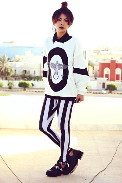 black-platform-luluscom-boots-white-boy-london-sheinsidecom-sweater_400